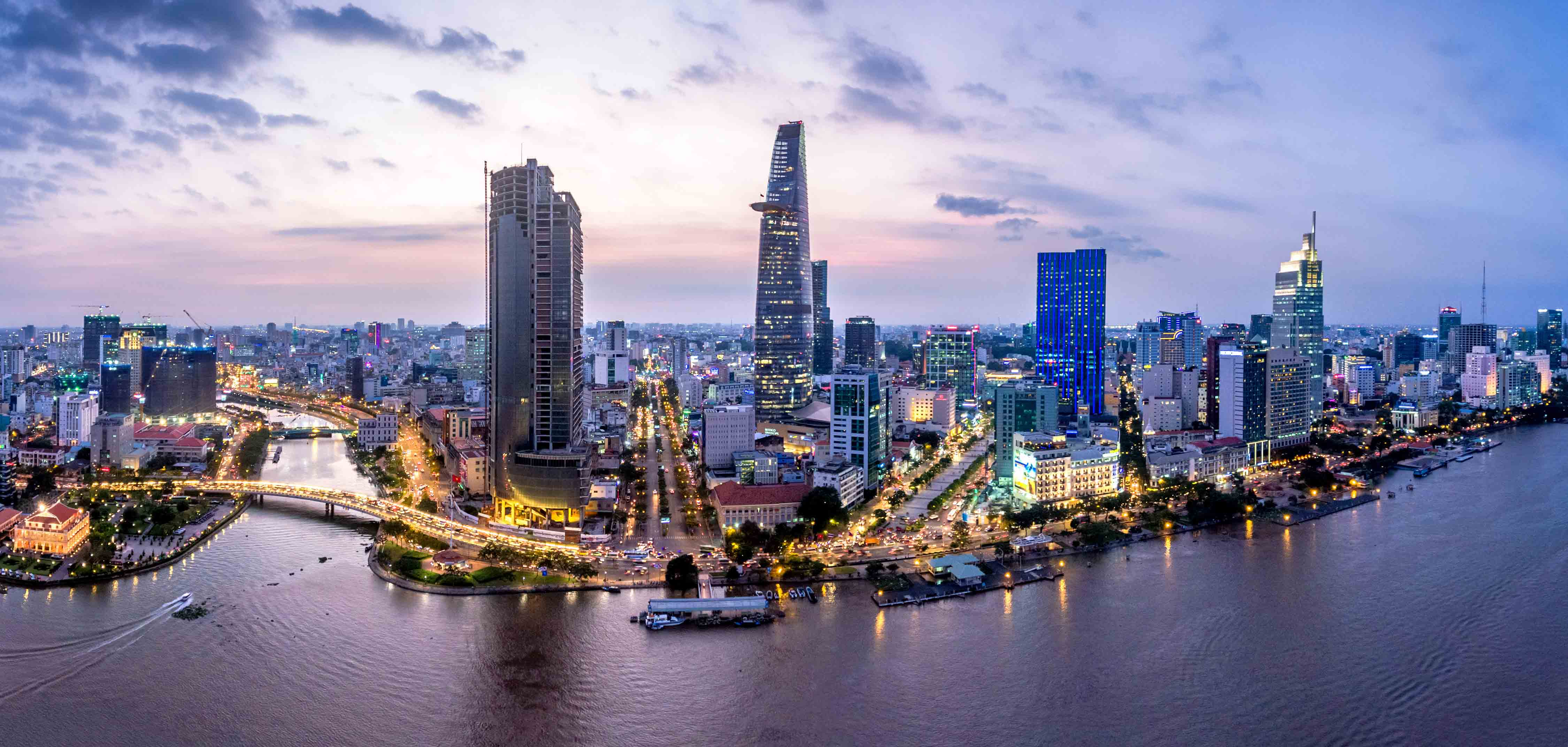 Ho Chi Minh City, one of the fastest growing city economies in Asia, is also experiencing the negative impacts of its booming economy: traffic congestion, air pollution, and limited infrastructure.