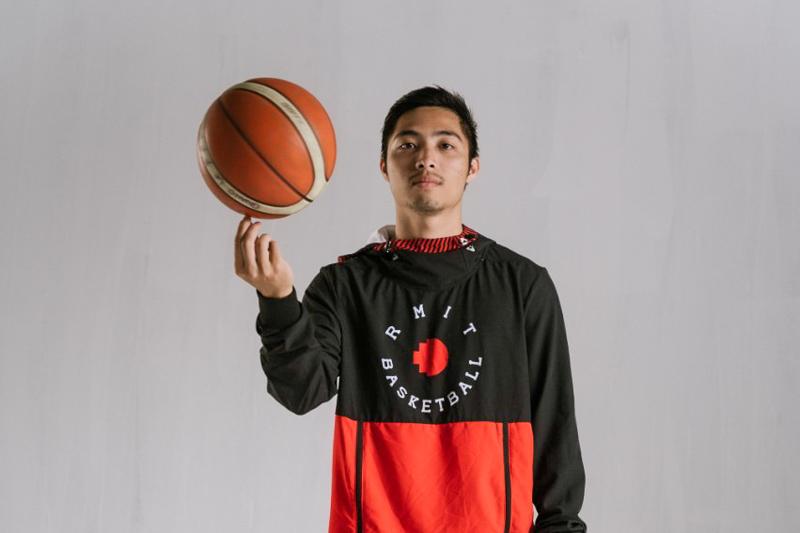 Sinh viên RMIT chơi tại giải bóng rổ chuyên nghiệp VBA